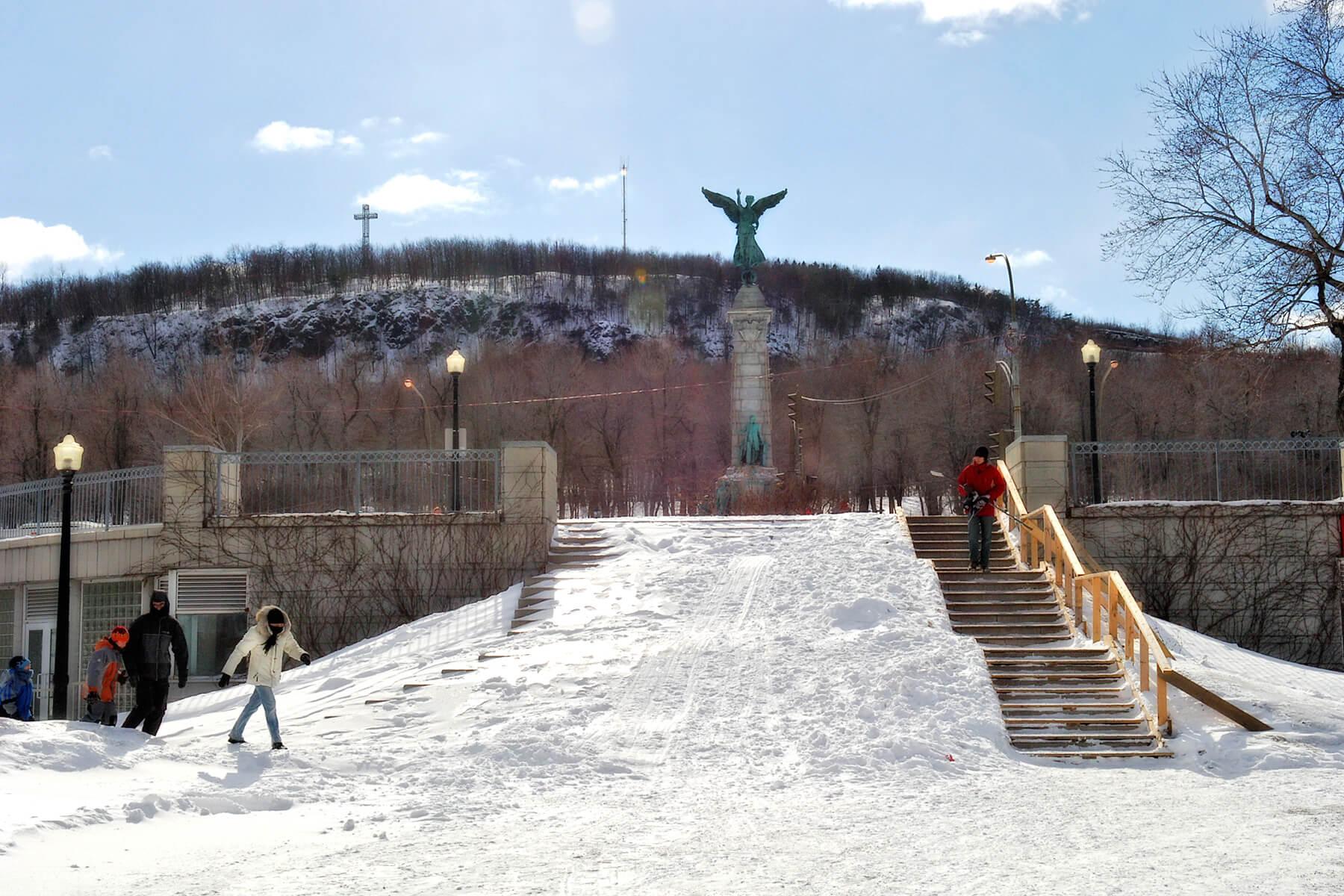 Monument à sir Georges Etienne Cartier sur le mont Royal à Montréal