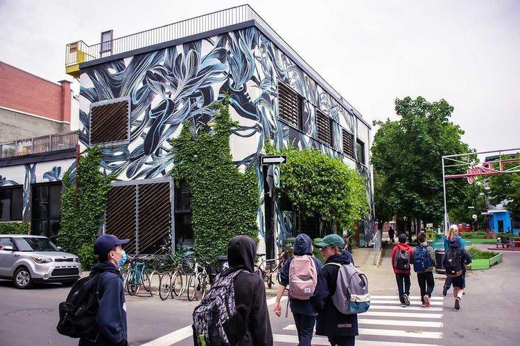 Visite murales groupe étudiants Guidatour